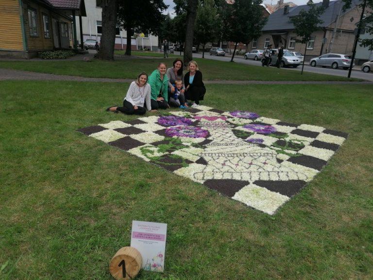 Anykščiuose vyko tarptautinis floristinių kilimų konkursas
