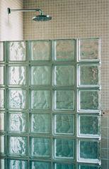Stiklo plytų kabina